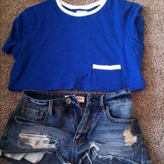 UO pocket tee crop top urban outfitters crop top with pocket, never worn. size xs but fits a small too. looks great with high waisted shorts or pants! Urban Outfitters Tops Crop Tops