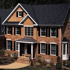 Best Roofing Decisions Which Shingles Look Best With Red Brick 640 x 480