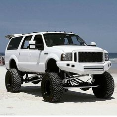 Lifted Excursion, Ford Excursion Diesel, Jacked Up Trucks, Big Trucks, Ford Trucks, Ford Diesel, Diesel Trucks, Future Trucks, Show Trucks
