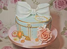 Vintage hat box cake by sweetcheeks bakehouse, via Flickr