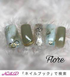 シースルーにゴールドラメで夏感をのこしつつ、アースカラーで爽やかな秋を演出。指先から新しい季節の流行を先取りできそう✨(id:3407413) Japanese Nail Design, Japanese Nail Art, Toe Nail Art, Toe Nails, Nail Art Videos, Trendy Nail Art, Nail Games, Marble Nails, Green Nails