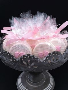 Ideas baby shower ideas pink chocolate dipped for 2019 Baby Shower Cakes, Deco Baby Shower, Pop Baby Showers, Baby Shower Desserts, Girl Shower, Baby Shower Favors, Baby Shower Parties, Baby Shower Themes, Baby Shower Decorations