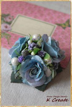 sold-out---Thank You!小さなブーケの様なドーム型のコサージュです。 ラベンダーブルーの三輪の紫陽花色のバラをメインに、 ベリーや3つのパー...|ハンドメイド、手作り、手仕事品の通販・販売・購入ならCreema。