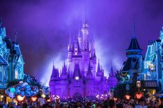 Days Until Halloween, Disney World Magic Kingdom, Disney Halloween, Disney Parks, Disney Castles, Disney Characters, Travel, Dressing, Earth