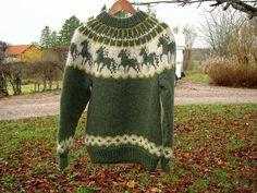 Icelandic Sweaters, Wool Sweaters, Knitting Sweaters, Icelandic Horse, Horse Pattern, Fair Isle Pattern, Fair Isle Knitting, Sweater Knitting Patterns, Knit Fashion
