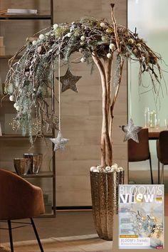 blooms deco, christmas, nature decor, floristik, christmas d Rustic Christmas, Christmas Diy, Christmas Decorations, Xmas, Christmas Ornaments, Round Wedding Tables, Design Your Dream House, Lodge Decor, Cute Home Decor