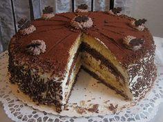 Zutaten    250 g Zucker  250 g Margarine  5 Ei(er)  250 g Mehl  1 Pkt. Backpulver  2 EL Kakaopulver  4 Becher  Sahne  12 EL Zitron...