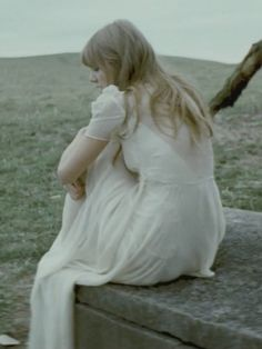 Taylor swift dress worn in 'Safe and Sound' - the original dress is a 1920's gown so I want to try and make my own.