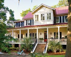 17 Pretty House Plans with Porches Southern homes are famous for their relaxing and beautiful front porches. Find some of our best house plans with porches here. Low Country Homes, Southern Homes, Southern Charm, Country Charm, Southern Style, Country Style, Country Houses, Vintage Country, French Country