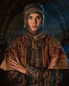 Medieval Russia, Grand Duchess of Moscow, century. Shot from the film 'Sophia Palaiologina', 2016 Historical Costume, Historical Clothing, Mode Russe, Medieval Fashion, Period Costumes, Russian Fashion, 15th Century, Ethnic Fashion, Mode Inspiration
