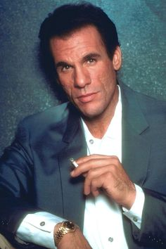 Character actor Robert Davi excels as director, singer paying tribute - National… James Bond Characters, James Bond Movies, Bond Girls, Aston Martin, Licence To Kill, Timothy Dalton, Ugly Men, Tough Guy, Great Movies