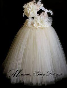 Ivory Vintage Tutu Dress / Ivory Flower Girl par ManaiaBabyDesigns