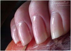 Nude-Look auf den Nägeln - eine willkommene Abwechslung