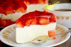 z cukrem pudrem: sernik na zimno z owocami (przepis bazowy)