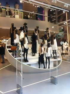 Impactful welcome at River Island Birmingham