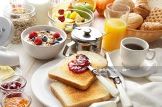 A lot of people try to cut calories by skipping breakfast. However, skipping breakfast can have many effects on your body. from LifeStyle . Breakfast Menu, Healthy Breakfast Recipes, Healthy Snacks, Healthy Recipes, Healthiest Breakfast, Breakfast Ideas, Healthy Breakfasts, Eat Healthy, Healthy Life