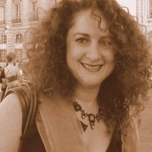 Sandra Oliel is local tour guide in France : Private Guide