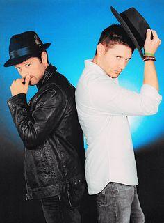 Cas & Dean /Jensen Ackles and misha collins Jensen Ackles, Jensen And Misha, Castiel, Supernatural Destiel, Dean Winchester, Winchester Brothers, Misha Collins, Matt Cohen, Jared Padalecki