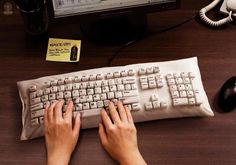 "Oishi Black Tea Lemon: ""KEYBOARD"" Print Ad  by Y&R Thailand"
