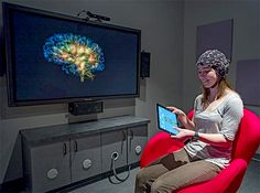 """University of California researchers have created a system that shows how the brain works in real time, allowing users to navigate right inside their own heads and see their neuronal activity firing in three dimensions, showing """"real-time source-localized activity from electroencephalographic signals."""""""