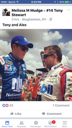Tony Stewart takes a few minutes to chat with Alex Bowman prior to the New  England 301 31aa4de32079
