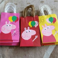 DIY Peppa Pig Themed Goodie Bags Fiestas Peppa Pig, Cumple Peppa Pig, Pig Birthday, 3rd Birthday Parties, Papa Pig, Pig Party, Party Decoration, Party Time, Goodie Bags