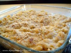 """Whole Wheat Macaroni and Cheese"" at ""Skinny Mom's Kitchen.  Looks yummy!"