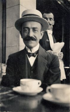 Manuel de Falla | Madrid (1914-1919) Classical Music Composers, People Of Interest, Music Images, Conductors, Rare Photos, Famous Faces, Art Music, Impressionism, Famous People
