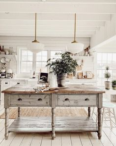 All Things Living Room is a page dedicated to all the different styled living room spaces by Liz Marie. Find your next living room inspiration here. Painted Fox Home, Farmhouse Kitchen Decor, Farmhouse Style, Farmhouse Ideas, White Rooms, Interiores Design, New Kitchen, 1950s Kitchen, Home Kitchens