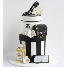 * ❤️ top rated seller ❤️'s Closet 50th Cake, 60th Birthday Cakes, Birthday Cakes For Women, Birthday Desserts, High Heel Cakes, Shoe Cakes, Cupcake Cakes, Cupcakes, Beautiful Cakes