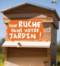 To install a hive in your garden: tips and tricks - Bioaddict Installer une ruche dans son jardin : conseils et astuces - Bioaddict To install a hive in your garden: tips and tricks - Bioaddict Garden Art, Garden Plants, Home And Garden, Green Life, Go Green, Potager Bio, Earthship, Save The Bees, Plantation