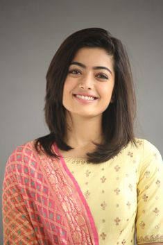 Rashmika Mandanna Image Stills during Geetha Govindham Movie Interview - Get HD Gallery Info Indian Women Haircut, Indian Hair Cuts, Beautiful Girl Photo, Beautiful Girl Indian, Most Beautiful Indian Actress, Beautiful Women, Wonderful Picture, Beautiful Smile, Beautiful Models