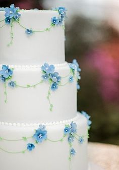 White Cake with Blue Forget-me-Nots