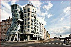 Frank Gehry - Casa Danzante, Praga, 1996