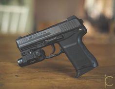 Chris K Photo (@chris_k_photo) в Instagram: «Check out this little guy  @Heckler &Koch #nocompromise #hk45c #handgun #pistol #45 #bangbang…»