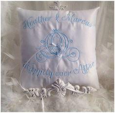 Venice Clover Lace /& Satin Celtic Irish Themed Live Love Laugh Ring Pillow Wedding Bridal