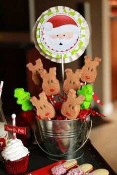 Holly Jolly Christmas Decorations #christmas #decorations