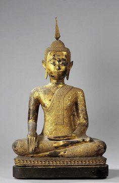 Bronze laqué et doré. Royaume de Ratanakosin. Thaïlande. 18 ème siècle. 75cm. 45x25cm.