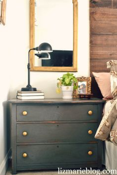 Update nightstand with Sherwin Williams Urbane Bronze paint and Annie Sloan Chalk paint to seal Interior Paint Colors, Home Interior Design, Interior Painting, Paint Colours, Home Design, Interior Ideas, Design Design, Annie Sloan, Painted Furniture