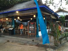Restaurant: Stiff Chilli  Address: Semawang Beach  Telephone: +62 361-288371  Opening Hours: 07:00-22:00  Wifi: Yes  Prices: 20,000-185,000 Payment: Cash/master Card  Entertainment: Every Tuesday acoustic  Distance from Villa: 450 Metres  Nice little restaurant serving a good selection of local/western dishes & ice cold beers. Friendly staff with good service.  There is acoustic music playing on Tuesday evenings. Has a 57,000 happy hour for x2 large bintang. Has a tv showing sports in the…