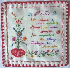 To mom. Portuguese embroidery traditional design. Crewel Embroidery, Cross Stitch Embroidery, Machine Embroidery, Embroidery Designs, Vintage Handkerchiefs, Thread Painting, Boho Designs, Sewing Techniques, Embroidered Flowers