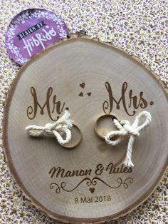 Mr et Mrs ....  Porte alliance pour vous ;-)