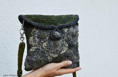 Plstená kabelka vo vojenských farbách+brošňa