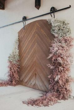 Fresh Ideas And Wedding Trends 2020 ★ wedding ideas wooden backdrop natural grass decorations briawnameier