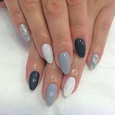 25 Elegant Nail Designs to Inspire Your Next Mani Nail Art Designs Elegant Nail Designs, Elegant Nails, Classy Nails, Cute Nail Designs, Get Nails, Hair And Nails, Almond Acrylic Nails, Nail Effects, Navy Nails