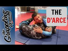 The Awesome D'arce Choke - One Of My Favourites! Jiu Jitsu Moves, Jiu Jutsu, Jiu Jitsu Videos, Judo Throws, Jiu Jitsu Training, Jiu Jitsu Techniques, Brazilian Jiu Jitsu, Self Defense, Rash Guard