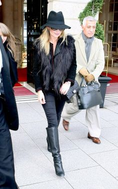 Kate Moss wearing Chanel Reissue Double Flap Bag Joe's Jeans Chelsea Skinny Jeans in Megan Prada Private Collection Customized KM Initial Sunglasses