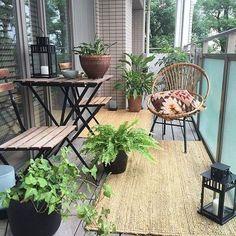 19 Wonderful Apartment Balcony Decorating ideas to make it look wider - Balkon Ideen - Balcony Furniture Design Tiny Balcony, Small Balcony Decor, Outdoor Balcony, Small Patio, Balcony Garden, Outdoor Decor, Balcony Ideas, Patio Ideas, Small Terrace