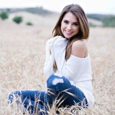 Senior photo! Or just a cute pose for everyday photo shoots!!!!! Love the cozy sweater!