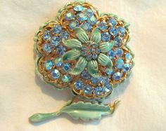 Vintage flower floral pin brooch available at TreasureBoxAntiqueUS on Etsy